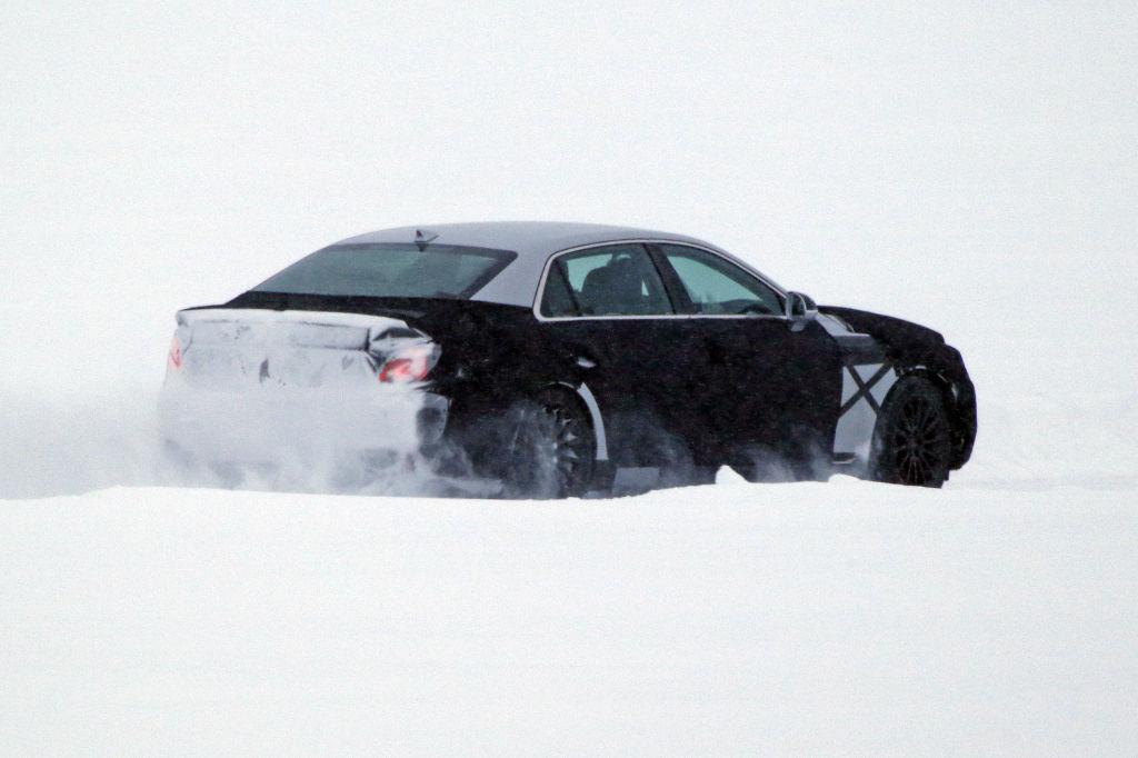 Erwischt: Erlkönig Hyundai Equus