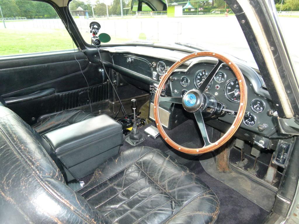 Aston Martin Rapide und DB5 – Fahren wie James Bond