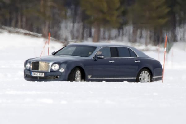 Erwischt: Erlkönig Bentley Mulsanne mit langem Radstand