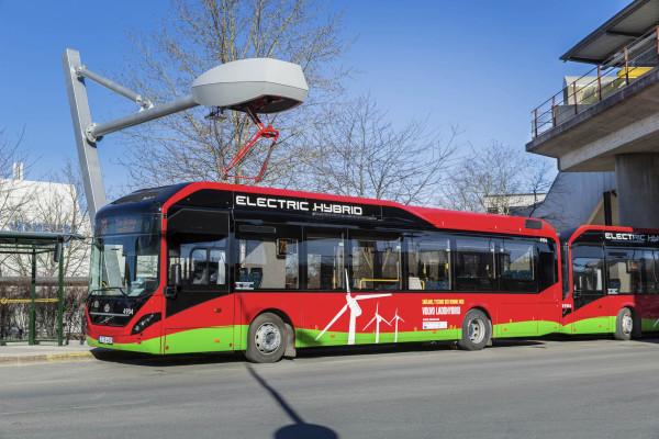 Volvo-Hybridbus nimmt den Dienst auf