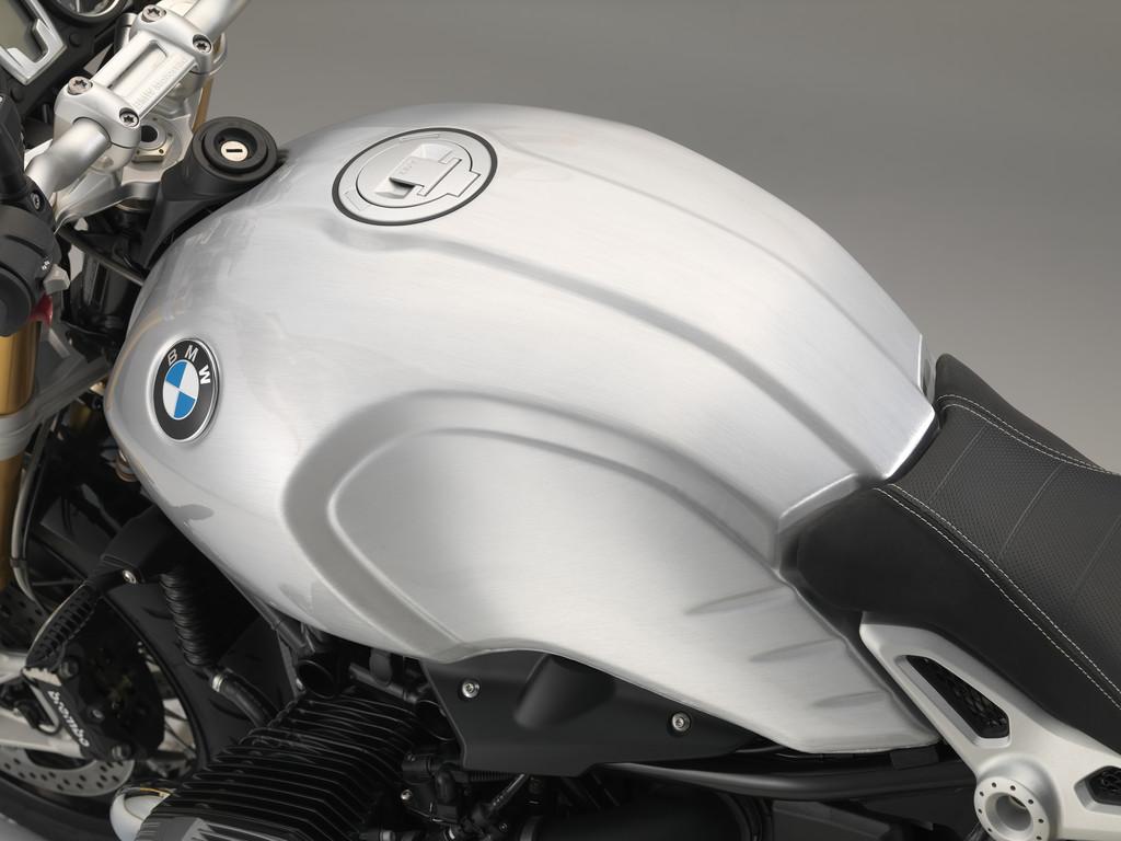 Klassischer Alu-Tank für BMW R Nine T