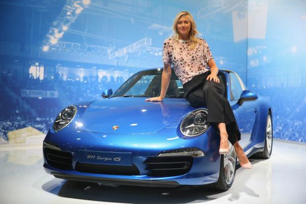 Tennis-Showdown vor dem Porsche-Museum
