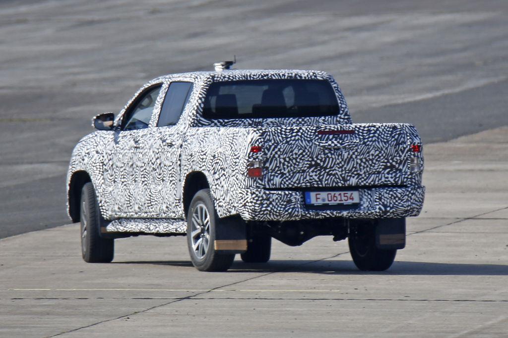 Erwischt: Erlkönig Toyota Hilux – Der Pickup beim Bremstest
