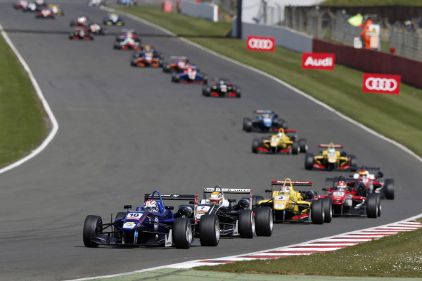 Hankook liefert Reifen für den Rennfahrer-Nachwuchs