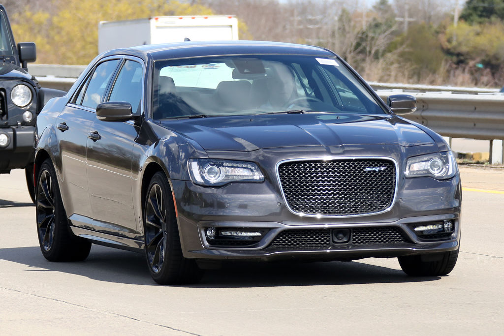 Erwischt: Chrysler 300 SRT - Mächtig amerikanisch