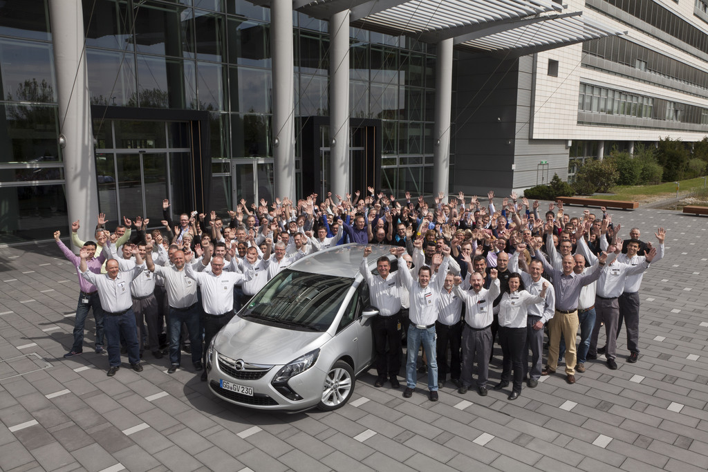 General Motors feiert eine halbe Milliarde Autos
