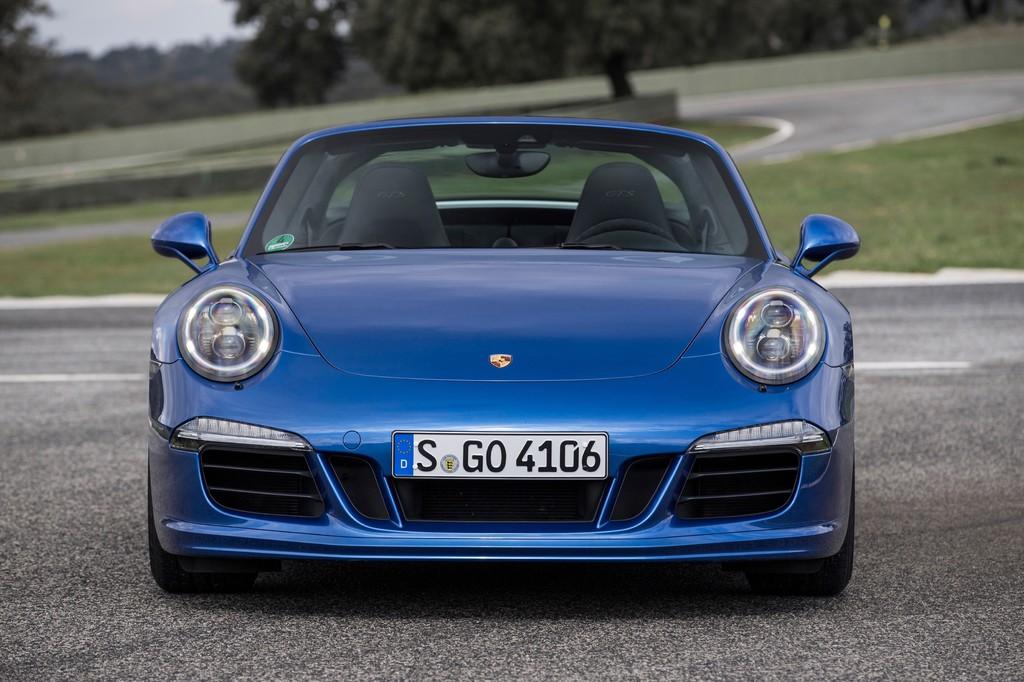 Porsche legt um ein Drittel zu