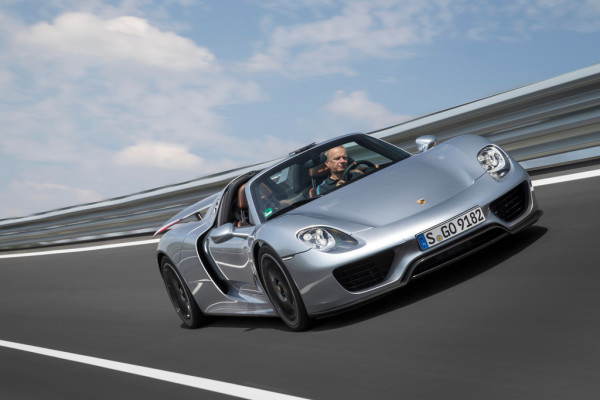 Porsche ruft 918 Spyder in die Werkstatt