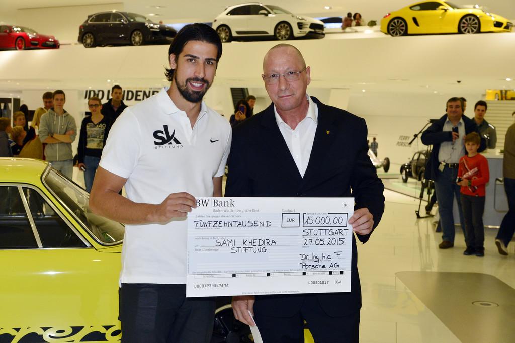 Porsche spendet 15.000 Euro für Sami-Khedira-Stiftung