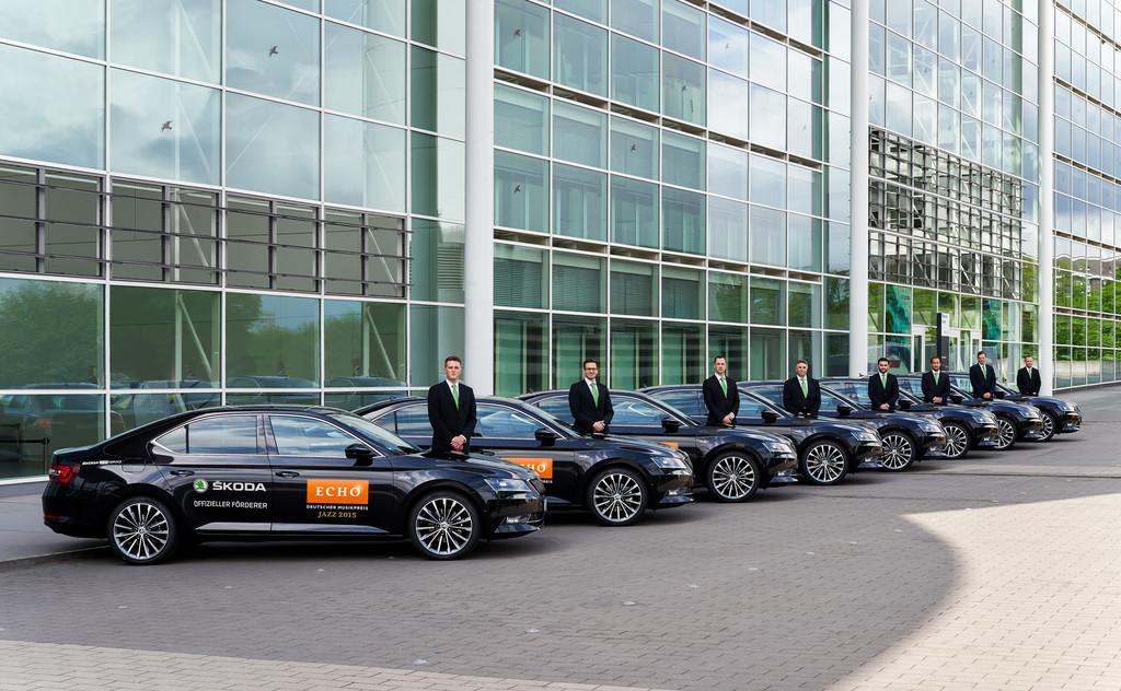 Neuer Skoda Superb erstmals als VIP-Shuttle