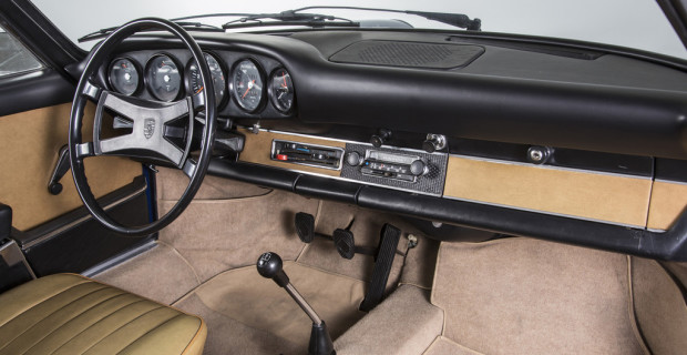 Porsche fertigt 911-Armaturentafel nach
