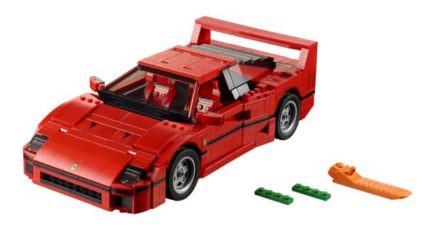 Der LEGO Ferrari F40 ist 8cm hoch, 27cm lang und 14cm breit