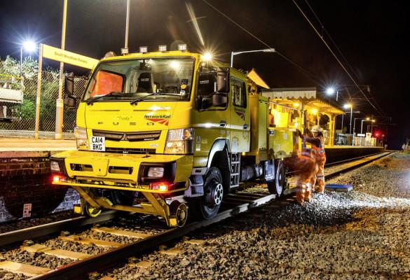 20 Fuso Canter für britisches Schienennetz