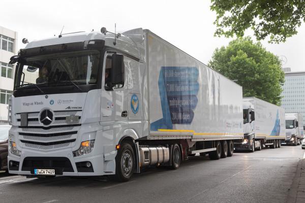 Daimler Trucks unterstützt Hilfskonvoi in syrische Flüchtlingslager in der Türkei