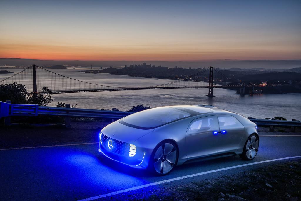 Mercedes-Benz startet Kampagne zur Vision vom autonomen Fahren