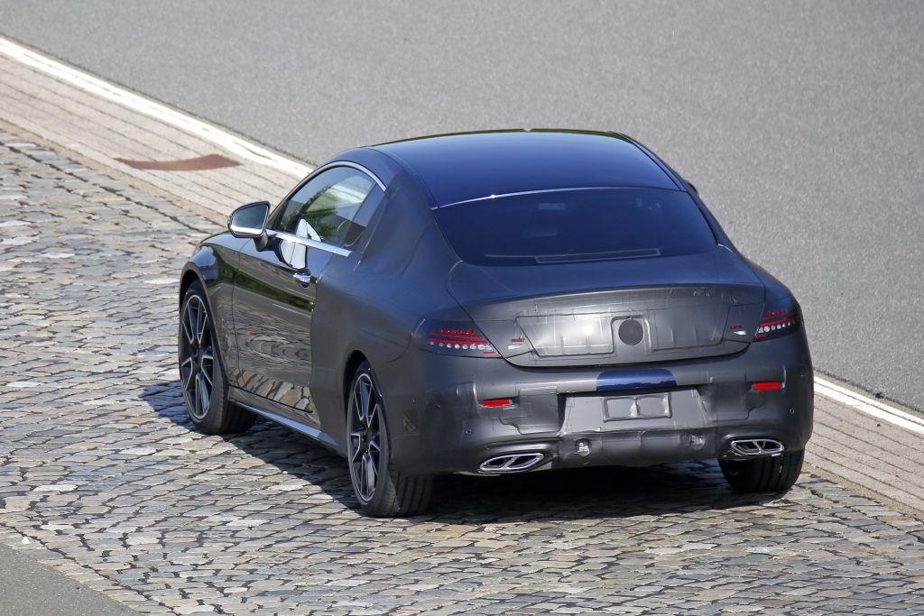 Erwischt: Erlkönig Mercedes C-Klasse Coupé - Nur mit dünner Tarnung unterwegs