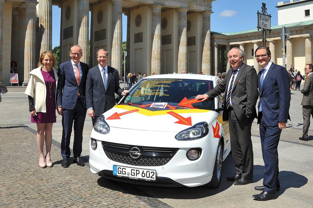 Opel Adam als TTIP-Botschafter