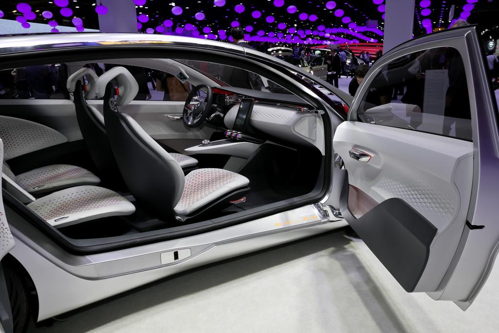 Faurecia in Stuttgart für Renault Eolab-Sitze ausgezeichnet