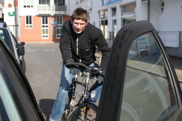 Tatort Parkstreifen: Achtung fliegende Autotür