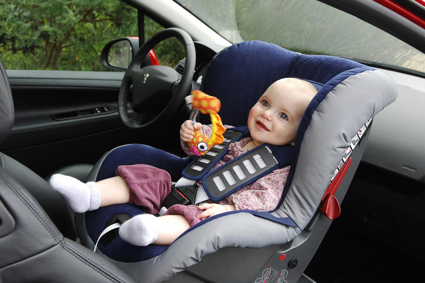 Crash-Test: Wenn die Babyschale zum Schleudersitz wird