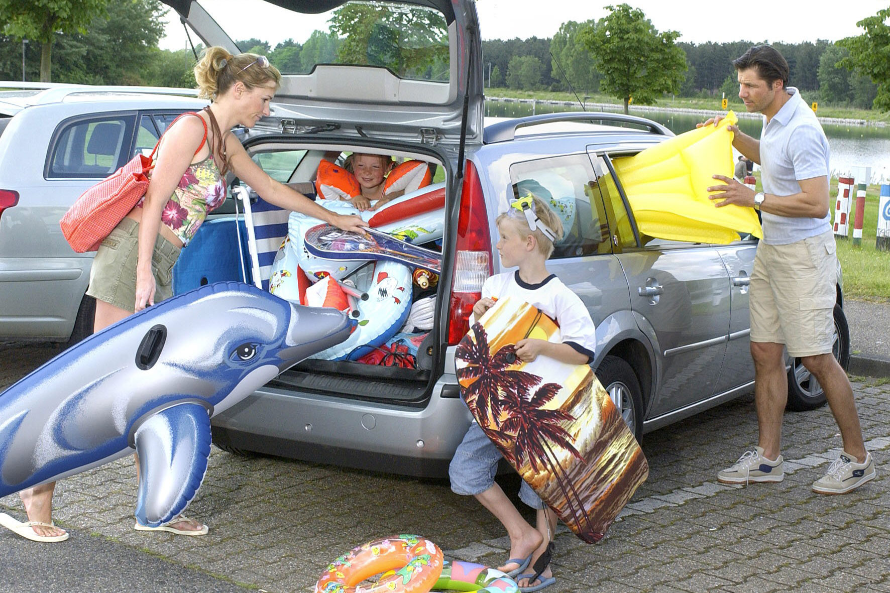 Auto-Urlaub: Nie ohne Warnweste und Verbandskasten