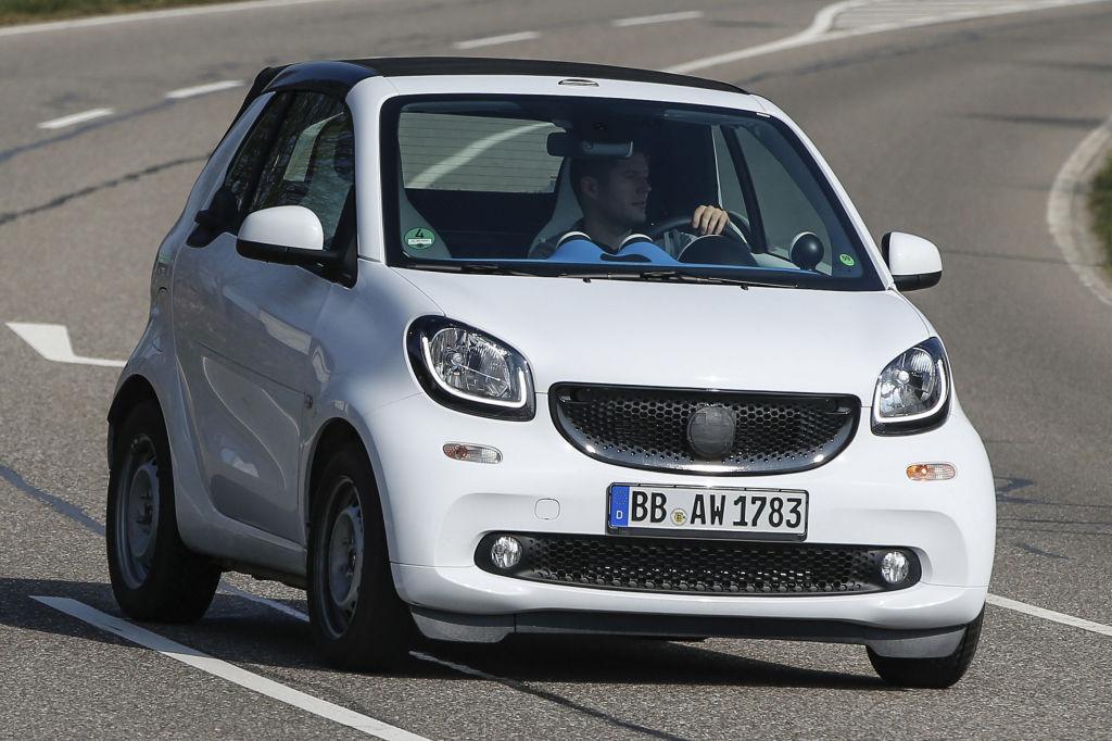 Der Smart ForTwo ist uns in der Nähe des Stuttgarter Entwicklungszentrum vor die Kamera gefahren.