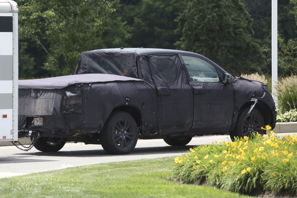 Dem VW Amarok könnte er ohne weiteres Konkurrenz machen, wenn es vernünftige Motoren geben würde.