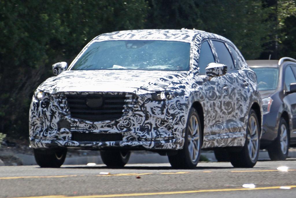 Die zweite Generation CX-9 wird komplett in Mazdas aktuelle Formensprache und...