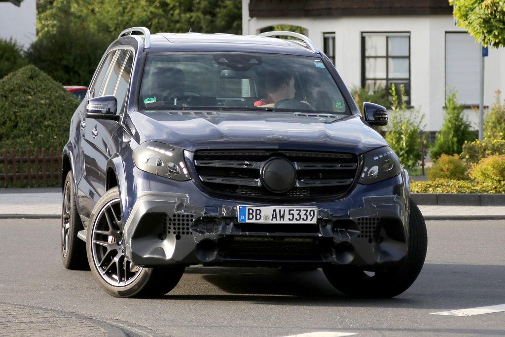Der Mercedes-Benz GLS (bis zum Facelift GL) ist ein Luxus Full-Size-Crossover und seit 2012 auf dem Markt.