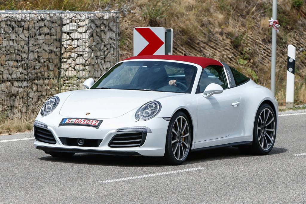 Überstunden in Zuffenhausen: Die 911er Reihe bekommt ihr Facelift bis zum Herbst.