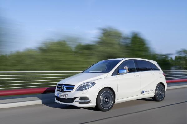 Mercedes will bei der nächsten Elektroversion seiner B-Klasse (Foto) auf Tesla-Komponenten verzichten und diese selbst entwickeln. Die im Boden der B-Klasse untergebrachte Batterie wollen die Stuttgarter zukaufen.