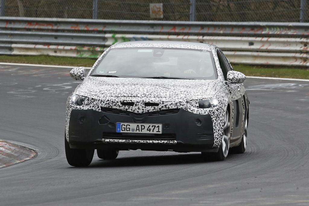 Opel Insignia 2017 bei Abstimmungsfahrten auf dem Nürburgring