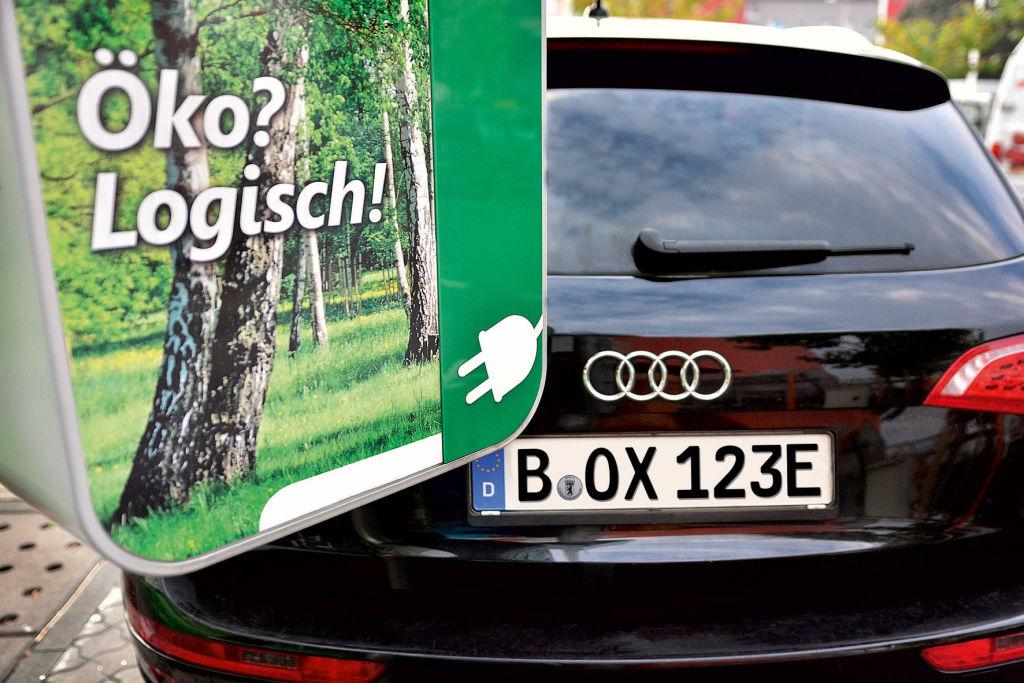 Das Elektroauto stößt keine umweltschädlichen Abgase aus.
