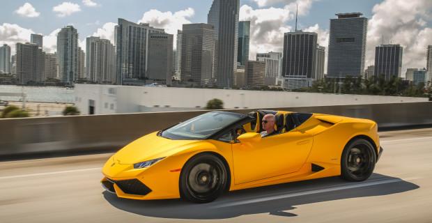 Wehe, wenn er losgelassen wird: Der Lamborghini Huracan LP 610-4 Spyder katapultiert den Fahrer in nur 3,4 Sekunden auf Tempo 100 und bis auf 324 km/h.