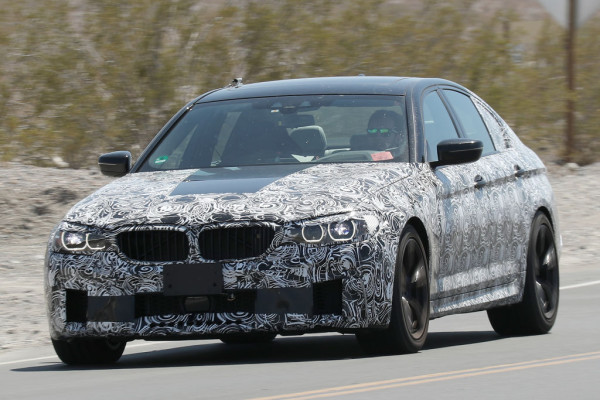 Erlkönig BMW M5 auf Testfahrt in der Mojave Wüste