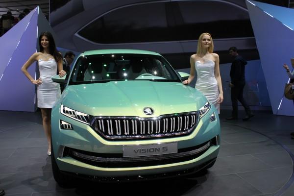 Spieglein, Spieglein an der Wand: 2017 startet das große SUV von Skoda, das jetzt als Studie Vision S auf dem Genfer Automobilsalon steht.