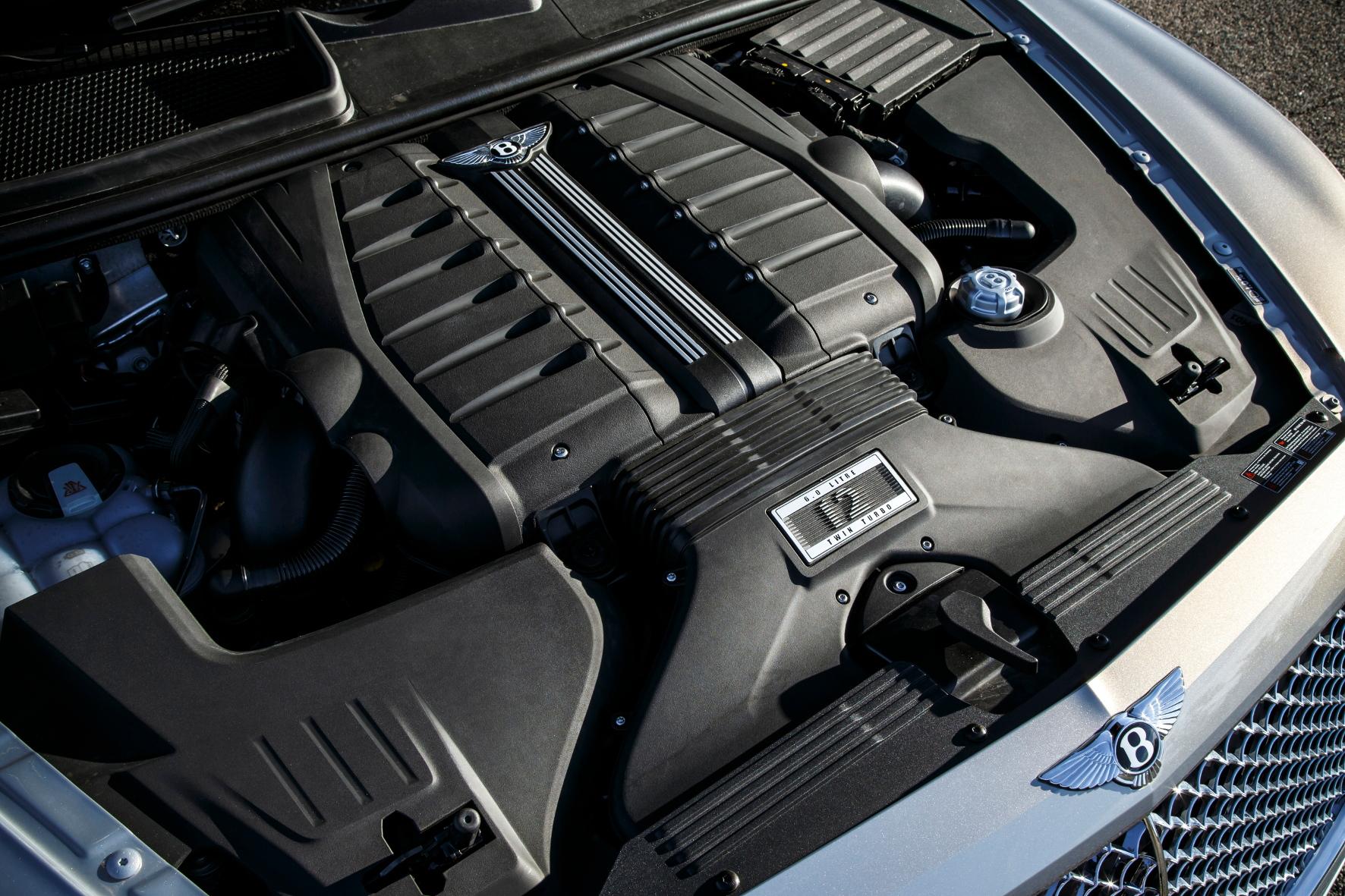 Kraftwerk: Das 6,0-Biturbo-W12-Aggregat des Bentley Bentayga leistet 608 PS und 900 Nm maximales Drehmoment.