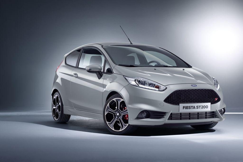 Ford feiert 40 Jahre Fiesta: Zahlreiche Neuerungen, Editionsmodell Fiesta Celebration und Fiesta ST200. Top-Modell der Fiesta-Baureihe ist weiterhin der
