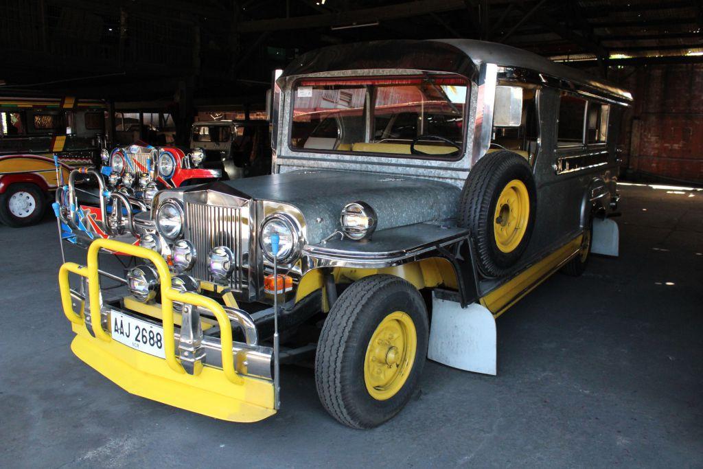 Zu Besuch im Jeepney-Land: So geht ein neuer Jeepnay an den Kunden