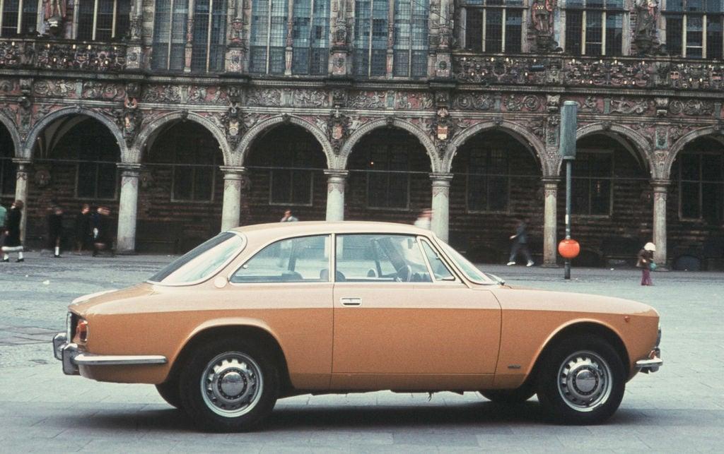 Alfa Romeo Giulia Coupé 1300 GT Junior, 1969-1973