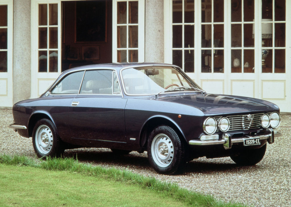 Alfa Romeo Giulia 2000 GT Veloce, 1971-1976