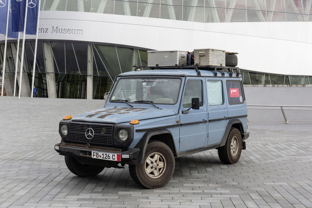 """""""Otto"""" vor dem Mercedes-Benz-Museum (2014)"""