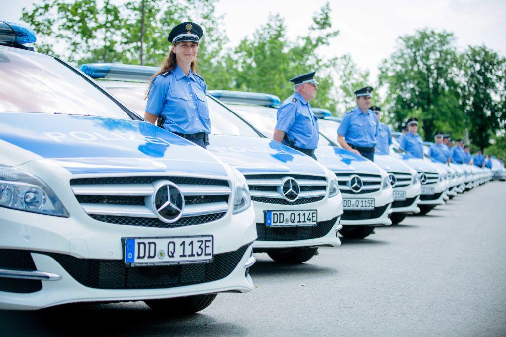 Sachsens Polizei stellt 24 Mercedes-Benz B 250 e in Dienst