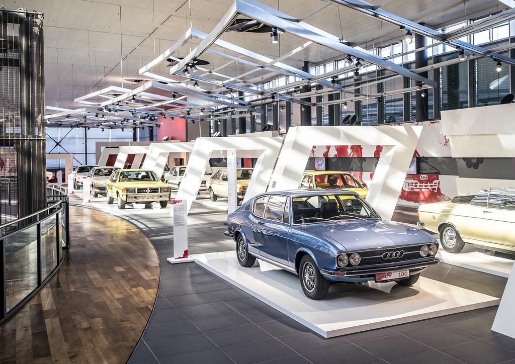 """Ausstellung im Audi-Forum Neckarsulm: """"Von null auf 100""""."""