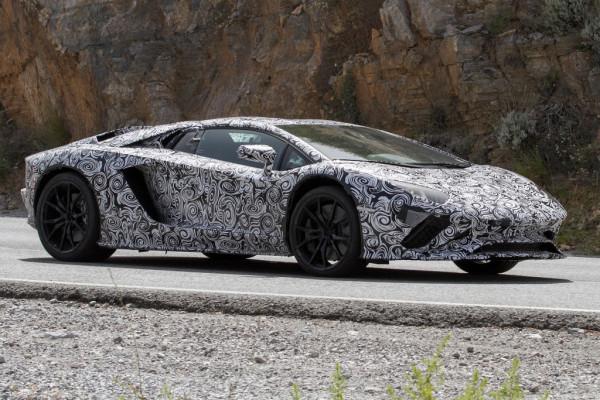 Erlkönig Lamborghini Aventador Roadster Facelift