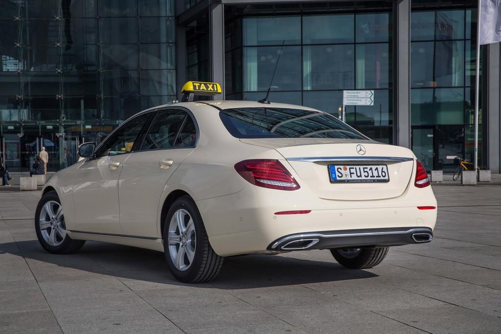 Mercedes-Benz E-Klasse als Taxi