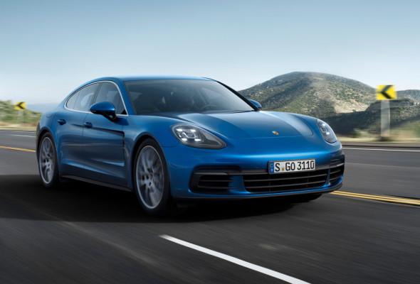 Porsche Panamera Turbo.