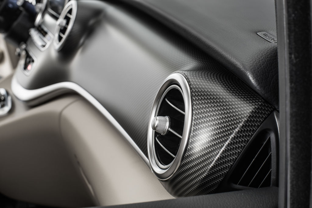 Marco Polo AMG Line, Interieur, Lüftungsdüsen in silberchrom und Zierelemente in Carbon-Optik ; Marco Polo AMG Line, interior, air vents in silver chrome and carbon-fibre-look trim;