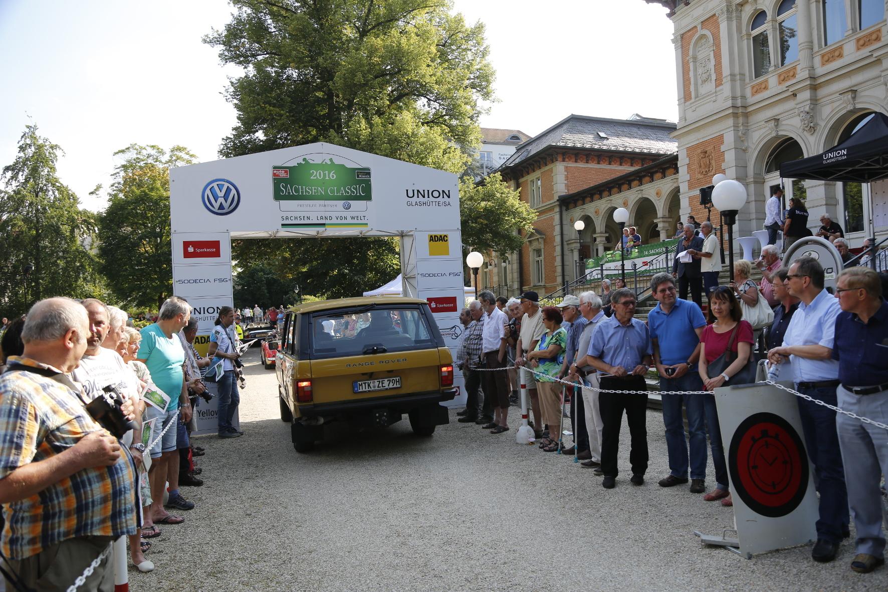 Zieleinlauf: Der Wagen absolvierte die 600-Kilometer-Tour ohne Mühe und beförderte seine Insassen höchst komfortabel.