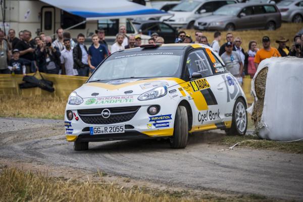 Der macht die Ecke rund: Bei der Deutschland-Rallye bieten Opel und der ADAC dem Nachwuchs eine Bühne.